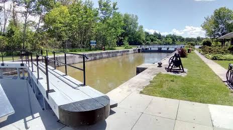 Poste d'éclusage de Black Rapids Add
